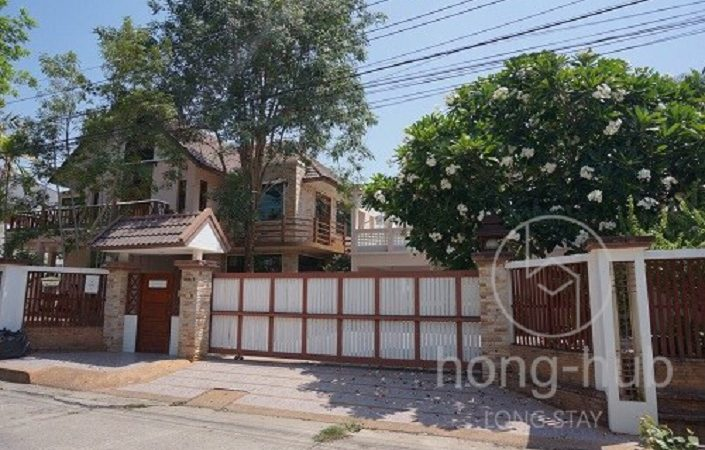 House For Rent Living in Chiang Mai HR203