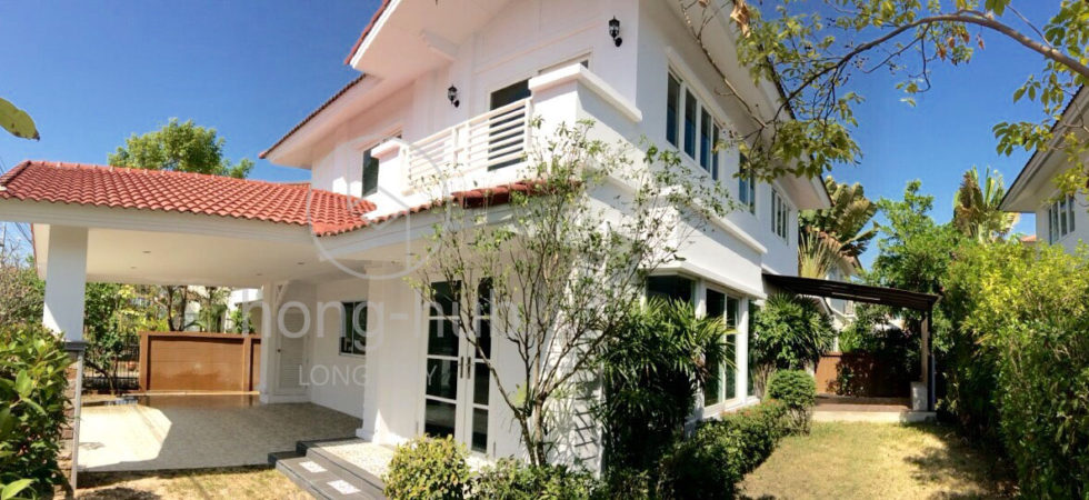 House For Sale Living in Chiang Mai HS112