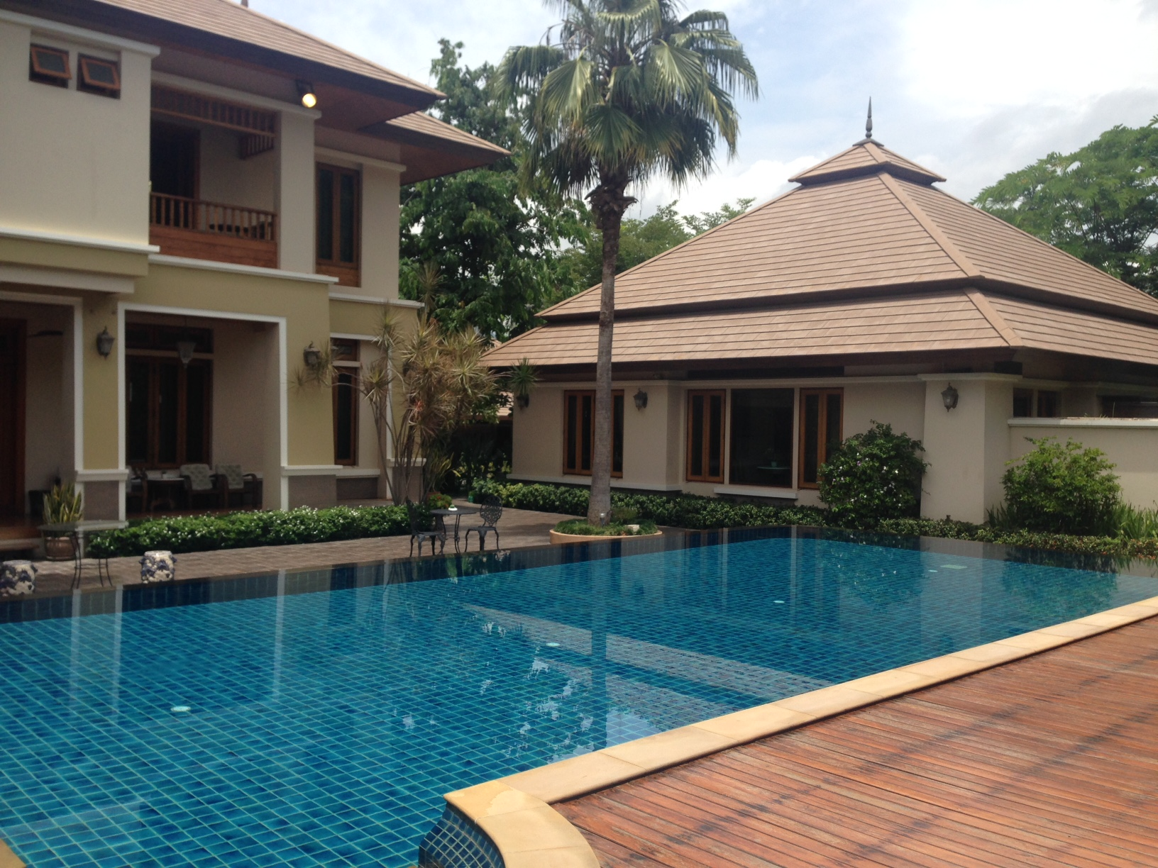 House for sale beautiful modern style private pool chiangmai id hs108 for Chiang mai house for rent swimming pool