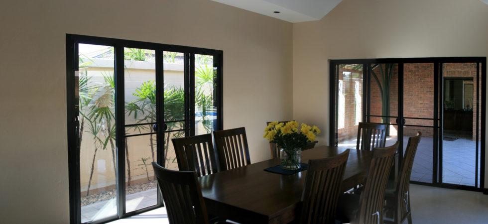040 Dining room